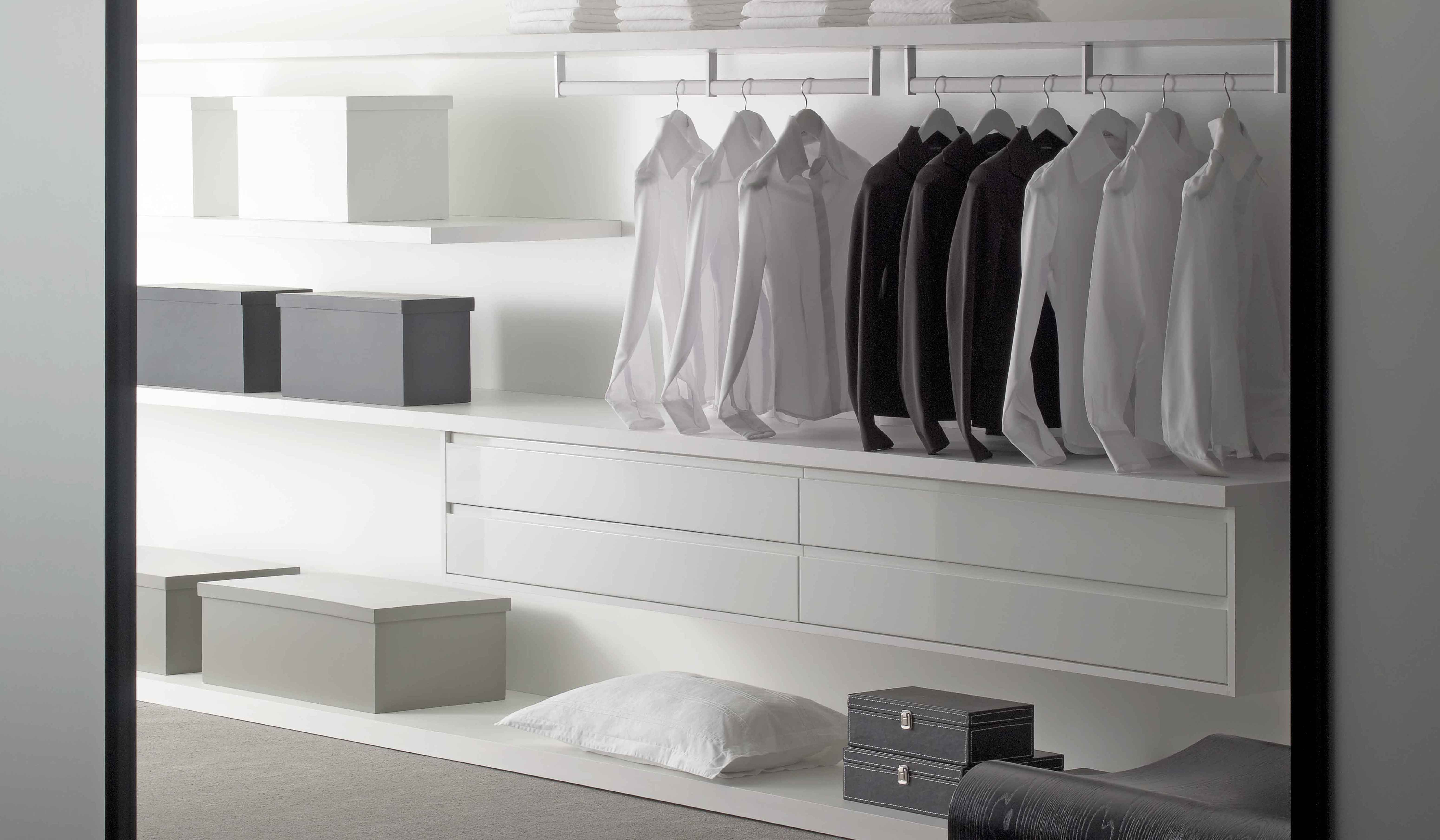 Modern Italian Closet Combining Aesthetics With Efficiency In A Union Of Form And Function. Dell Anno Closets Are Built To Organize Your Sense Of Style